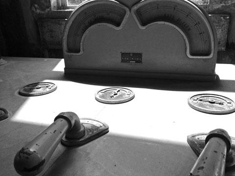 ろ過水槽の操作盤
